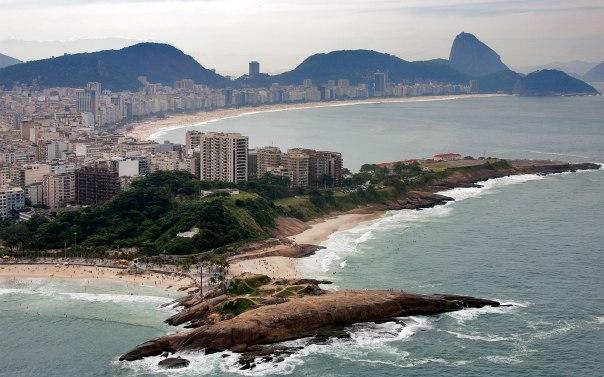 Beach-Building-Pedra-do-Arpoador-Rio-de-Janeiro-Brazil